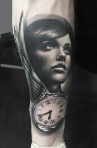 Donna e orologio - Woman Time -  - Realistic Tattoo - Tatuaggi Realistici - Michele Agostini - Rome (Italy)